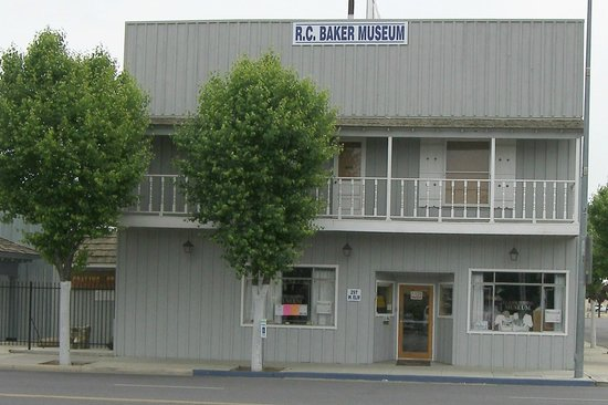Coalinga, קליפורניה: R.C. Baker Memorial Museum Inc