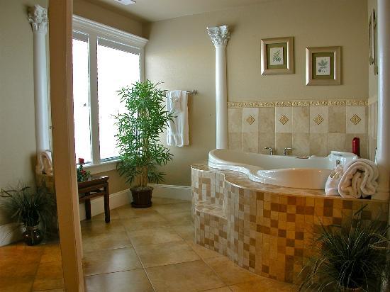 Oasis Suites Hotel: Honeymoon Suite