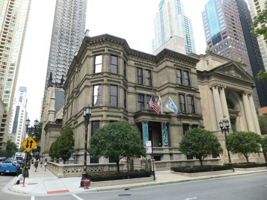 Richard H. Driehaus Museum : Exterior facing Erie St.