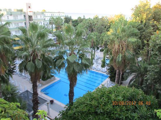 Okurcalar, Turquía: Вид из лифта отеля
