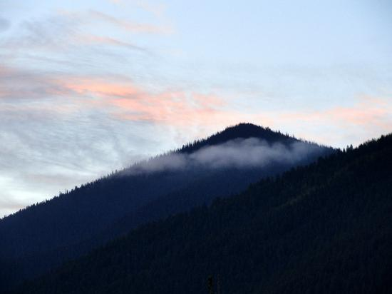 Bachelor Loop: early morning clouds on hillside