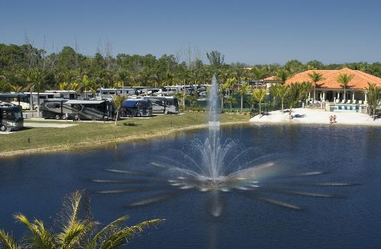 Naples Motorcoach Resort: Resort RV Sites & View