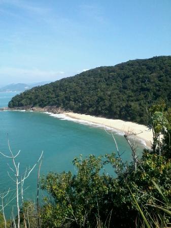 Francis Hotel: Praia da Figueira (próximo à pousada)