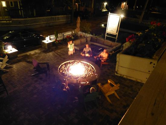 Surfside Hotel & Suites: fire pit, amazing!