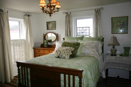 The Painted Lady Bed & Breakfast and Tea Room: Minnie's room - very comfortable