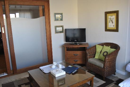 Cornerstone Guesthouse: Another view of the room