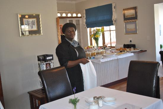 Cornerstone Guesthouse: Mona-excellent staff