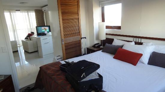 Broadbeach Savannah Resort: bedroom