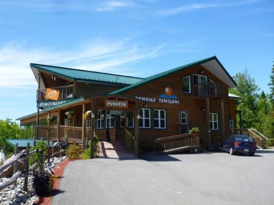 Domaine Temi Kami: The main lodge.