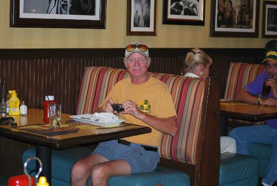 Seminole Casino Hotel: Enjoying a meal at the Restaurant