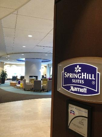 SpringHill Suites Chicago Downtown/River North: Springhill Suites sign in Lobby