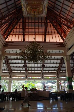 Ramada Bintang Bali Resort: Lobby
