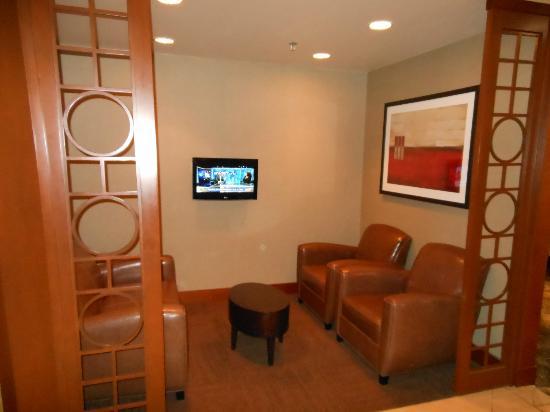 Hyatt Place Kansas City/Overland Park/Metcalf: lobby
