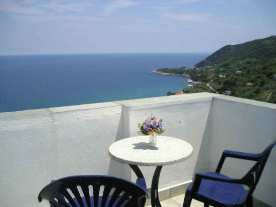 Felitsia Apartments & Studios: View of the Aegean Sea