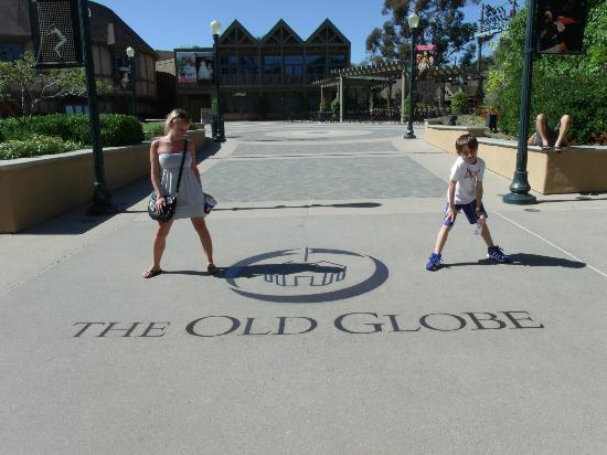 Old Globe Theatre : Entrada