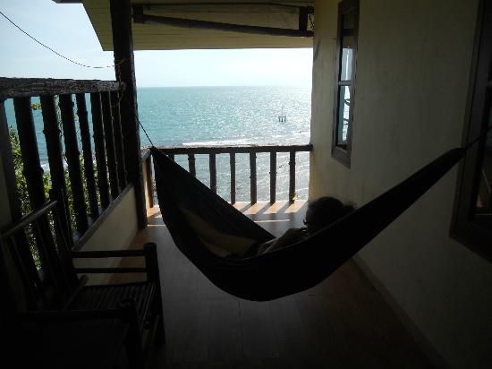 صنكليف ريزورت: Our hammock with a view! 