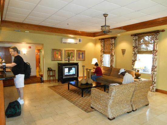 BEST WESTERN Tampa: lobby