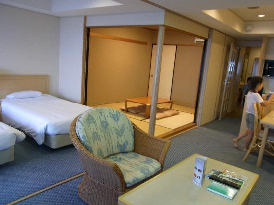 Luxze Hitotsuba: 室内