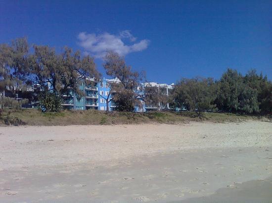 Grand Palais Beachside Resort: GRAND PALAIS FROM BEACH