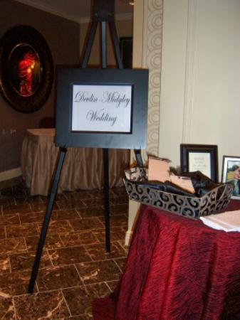 Madison Hotel: Lobby