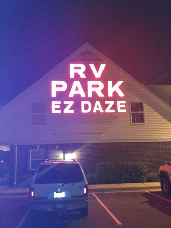 Ez Daze RV Park: office at night
