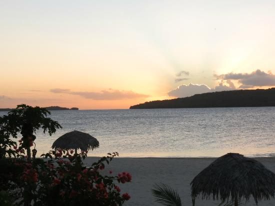 The Havannah, Vanuatu: Sunset from our Villa on our last night