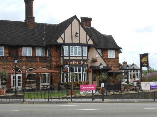 Premier Inn London Harrow Hotel: Premier Inn London Harrow from Kenton Road