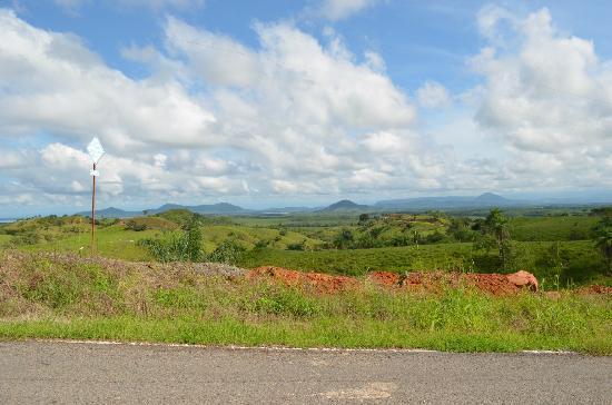 Hotel Bocas del Mar: Drive into Boca Chica