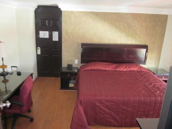 هوتل دالي إجيكوتيفو: big bed 