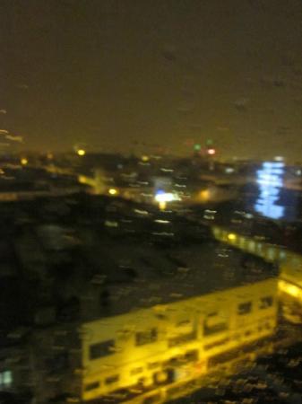 Dali Plaza Hotel: wet view