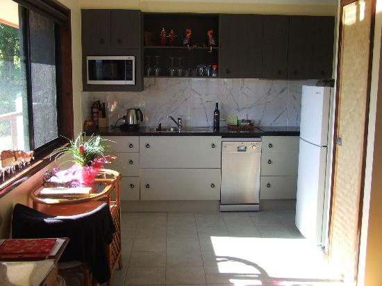 Maleny Tropical Retreat: The kitchen inside the villa 