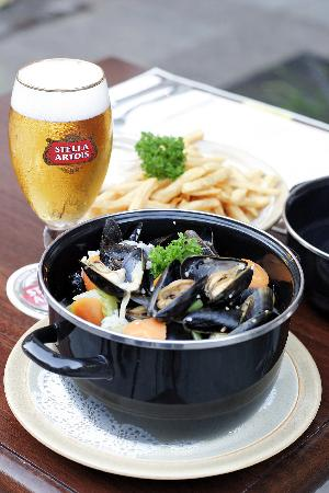 Oosters Belgian Brasserie: Moules Frites