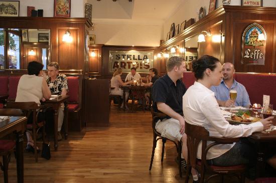 Oosters Belgian Brasserie: Indoor Seating