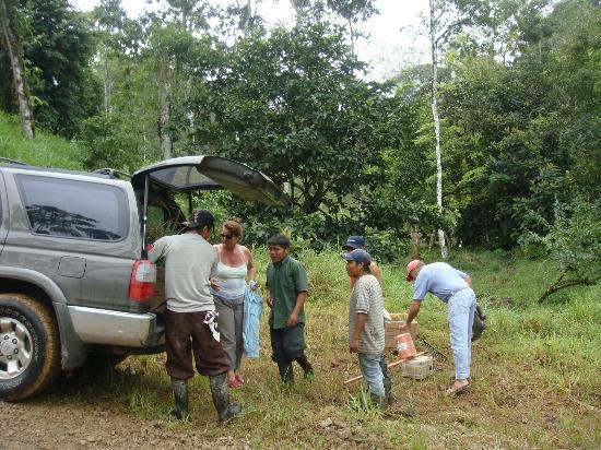 Rambala, Panama: Unloading Supplies