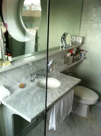 The Maritime Hotel: Bathroom from shower.