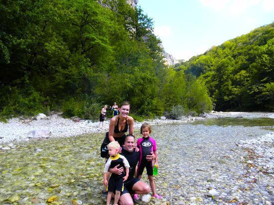 Konjic, Bosnie-Herzégovine : 33  www.neretva.rafting.ba