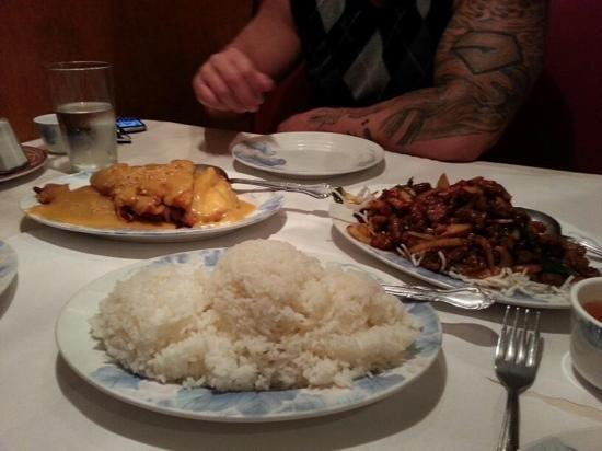 Golden House Chinese Cuisine : the mongolian beef and almond chicken