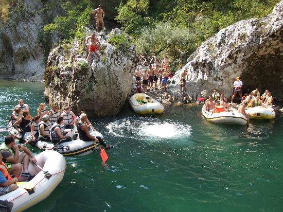 Konjic, Bosnie-Herzégovine : 99  www.raft.ba - Plaza Dzajica buk