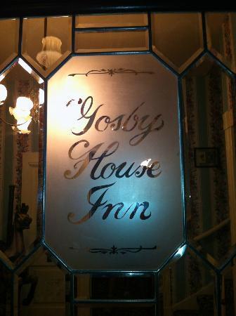 Gosby House Inn - A Four Sisters Inn: Entrance into the Gosby House