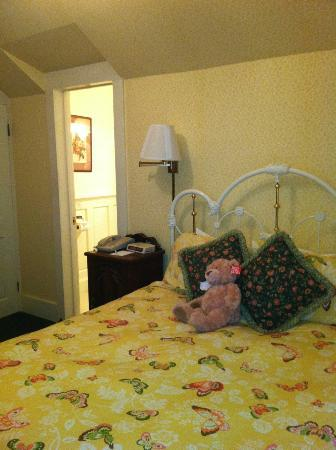 Gosby House Inn - A Four Sisters Inn : The Judge Landsburg room