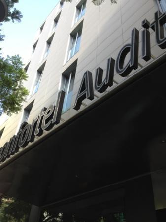 ILUNION Auditori: façade avant