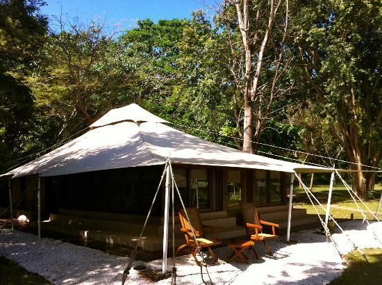 Amanwana: Forest tent