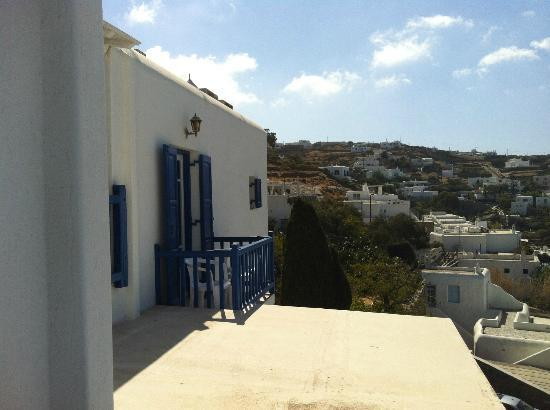 Stelios View Mykonos Town: View on left side of hotel