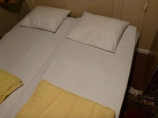Colonial Hotel Stockholm: the bed