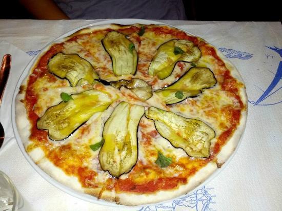 Il Gelso: pizza con melanzane