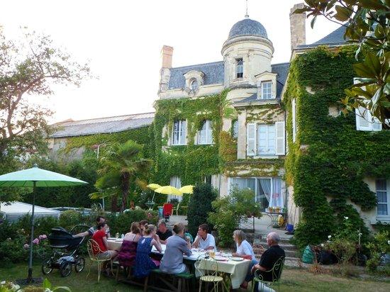 Photo of Hotel Particulier Des Arenes Doue-la-Fontaine