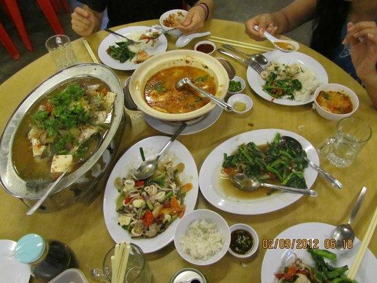 Dinner At Taitong Penang Picture Of Taitong Seafood Teluk Bahang Tripadvisor
