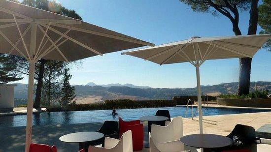 Hotel Catalonia Reina Victoria Wellness & Spa: Vistas piscina