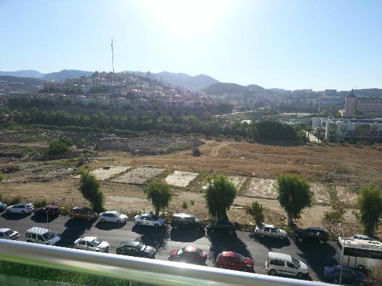 Hedef Rose Garden Hotel: Room view - like after the war !
