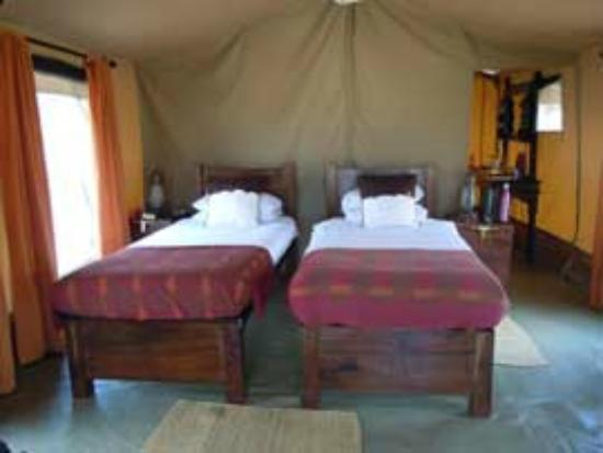 Dunia Camp, Asilia Africa: Bedroom in tent